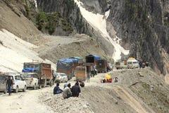 Trafikstockning i berget (Ladakh) - 4 arkivfoto