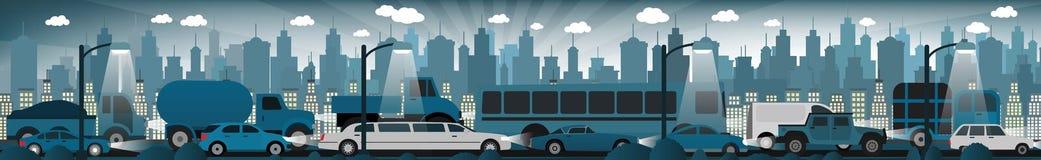 Trafikstockning i nattstaden Arkivfoton