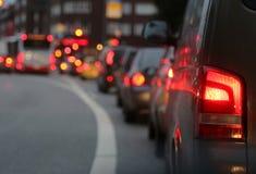 Trafikstockning i stad under rusningstid Royaltyfria Foton