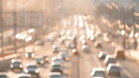 Trafikstockning i staden på solnedgången _ stock video