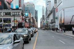 Trafikstockning och blodstockning som ses i centrala Toronto, Ontario royaltyfri bild