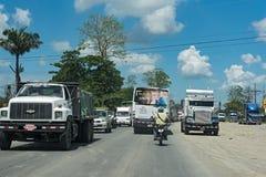 Trafikstockning på öst för väg 32 av puertolimon, Costa Rica Royaltyfria Bilder