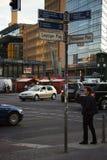Trafikstockning på den Potsdam fyrkanten Arkivbilder