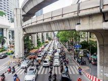 Trafikstockning på den Ratchaprasong genomskärningen Royaltyfria Foton