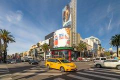 Trafikstockning på hörnet av den Hollywood blvden arkivfoto