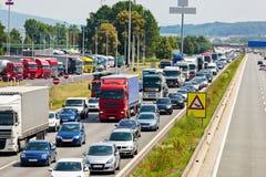 Trafikstockning på huvudvägen Royaltyfria Bilder