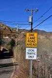 Trafiktecken för lokal trafik royaltyfri bild