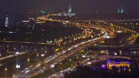 TrafikTid schackningsperiod - Moskva, trädgårds- ringled lager videofilmer