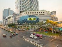 Trafiktvärgator i Bangkok royaltyfria foton