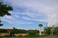 Trafikvägläge på Nonthaburi Thailand arkivbild