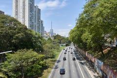 Trafique em 23 de maio Avenida em Sao Paulo Fotografia de Stock