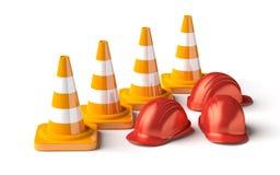 Trafique los conos con el casco del trabajo en el blanco Imagenes de archivo