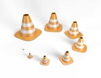 Trafique los conos en diversos tamaños incluyendo una trayectoria de recortes Fotos de archivo libres de regalías