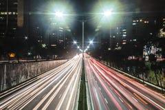 Trafique na avenida 23th maio Avenida 23 de maio em San Paulo Foto de Stock