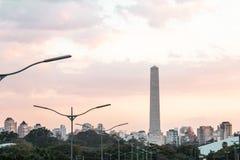 Trafique na avenida 23th maio Avenida 23 de maio em San Paulo Imagens de Stock Royalty Free
