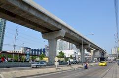 Trafique na estrada e na autoridade maciça do trânsito rápido de Tailândia fotografia de stock