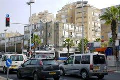Trafique nas ruas no Bastão-'batata doce', Israel fotografia de stock royalty free