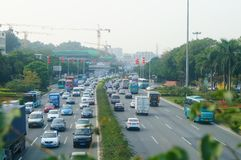 Trafique a paisagem na seção de Shenzhen da estrada do nacional 107 Fotografia de Stock Royalty Free