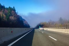 Trafiquez sur la route slovène A1 entre Maribor et Ljubljana Photographie stock