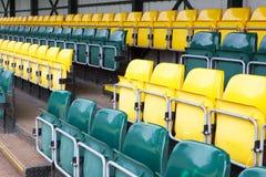 Tragbare Reihe des Pavillons von Sitzplätzen trägt Rennereignisrugby-Fußballkricket für Zuschauer zur Schau stockfotos