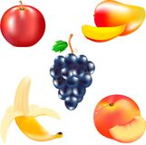 Tragen Sie für Lebensmittel, reife Banane, geschmackvolle Mango, saftige Frucht, roter Apfel, eine Gruppe von blauen Trauben, a F Lizenzfreies Stockfoto