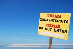 Tragen Sie Zeichen nicht am Strand ein Stockfotos