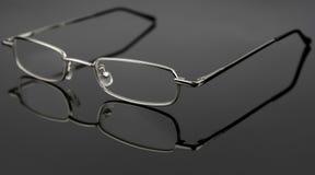 Tragende Gläser - übersichtliches Design Stockbild