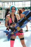 Tragende Kostüme und Mode-Accessoires Cosplayers am Anime Exp Lizenzfreies Stockbild