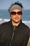 Tragende Sonnenbrillen der Frau Lizenzfreie Stockfotografie