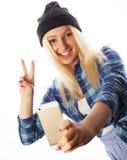 Tragender Hut des recht jugendlich Mädchens, selfies nehmend Lizenzfreies Stockfoto
