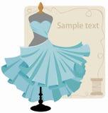 Tragendes Kleid auf einem Mannequin Stockfotografie