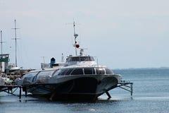 Tragflügelbootmeerjachthafen Lizenzfreie Stockfotos