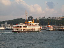 Traghetti nel porto di Costantinopoli Fotografie Stock Libere da Diritti