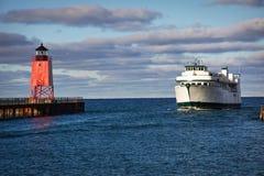 Traghetto del Emerald Isle ed indicatore luminoso di Charlevoix Immagine Stock Libera da Diritti