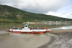 Traghetto del fiume di Yukon Immagini Stock Libere da Diritti