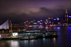 Traghetto della stella di notte della torretta di orologio del porto di Hong Kong Fotografie Stock Libere da Diritti