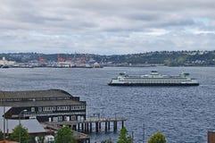 Traghetto dello Stato del Washington che arriva Fotografie Stock