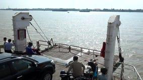 Traghetto di Cat Lai al rallentatore video d archivio