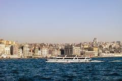 Traghetto di Costantinopoli Barca sul Bosforo Immagini Stock Libere da Diritti