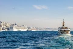 Traghetto di Costantinopoli Barche sul Bosforo Fotografie Stock Libere da Diritti