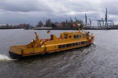 Traghetto giallo Fotografie Stock Libere da Diritti