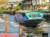 Traghetto, motoscafo pubblico sul piccolo canale Bangkok, Tailandia Immagine Stock Libera da Diritti