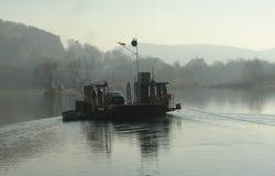 Traghetto sul fiume Fotografie Stock