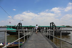 Traghetto sul fiume Chao Phraya a Bangkok Fotografia Stock Libera da Diritti