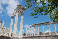 Traianus (Trajan) Tempel in der pergoman Akropolise Lizenzfreie Stockbilder