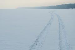 Trail多雪的湖 图库摄影