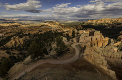 Trail along the Bryce Canyon with cloudy sky Royalty Free Stock Photos