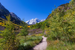Trail to Maroon Bells in Autumn Royalty Free Stock Images
