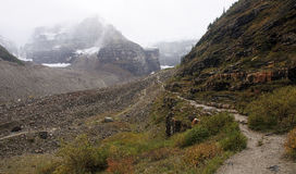 The trail to the Plain of Six Glaciers Tea House from Lake Louis Royalty Free Stock Photos