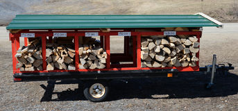 Trailer of firewood for sale Royalty Free Stock Photos